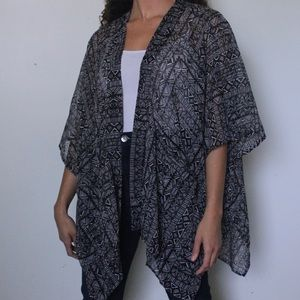 Black and White Tribal Kimono